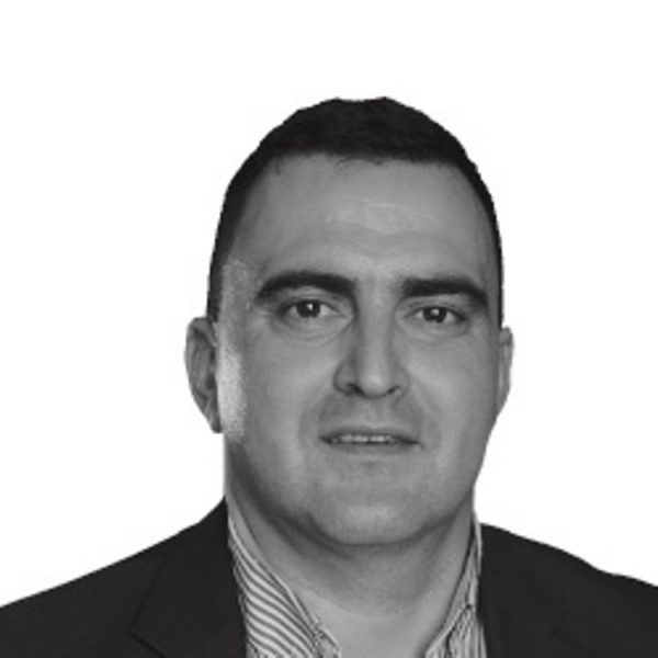 Доц. д-р Марио Милков, България