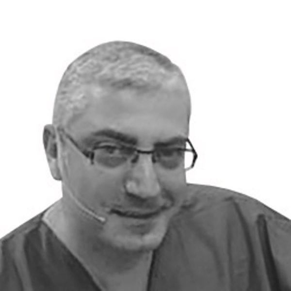Д-р Набих Надер, Ливан
